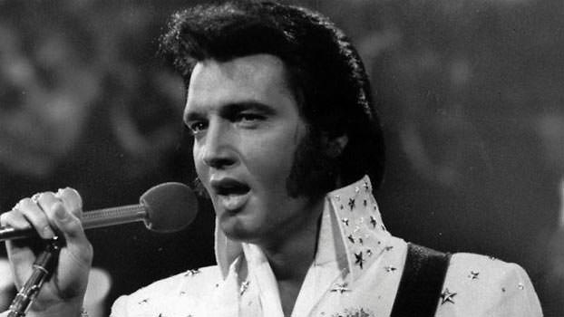 Elvis Presley King of Fashion - Wearing a high collar shirt
