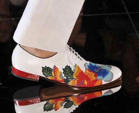 White Gucci shoe with floral prints fro men