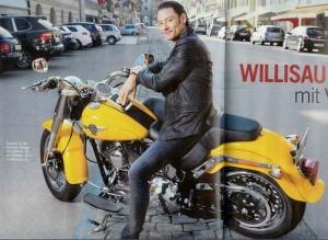 urs-buhler, il divo on-yellow-motorbike