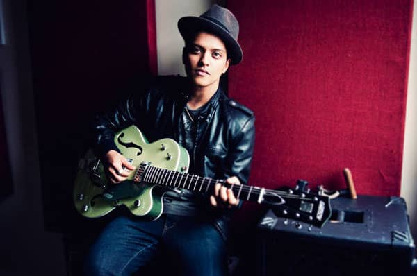 bruno mars green guitar
