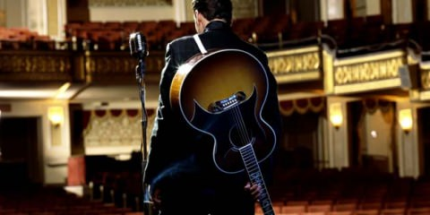 Joaquin Phoenix walk the line as Jonny Cash