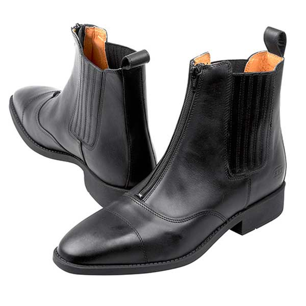 Boots for winter leather black