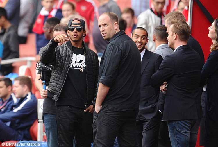 Lewis-Hamilton---Arsenal-game