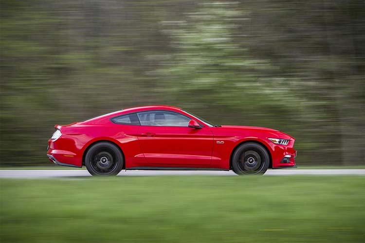 ford-mustang-side
