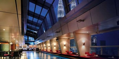 Sky-bar-traders-hotel-fetured