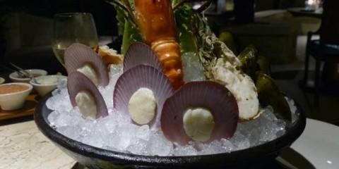 Riverside-cafe-four-seasons-Bali-at-Sayan-seafood-platter-3