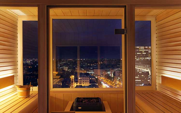 The-hotel-Brussels-Sauna-with-a-view-by-night