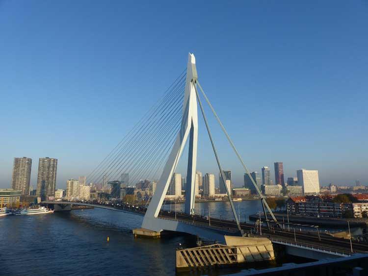 nhow-rotterdam-erasmus-bridge-roof-terrace-view