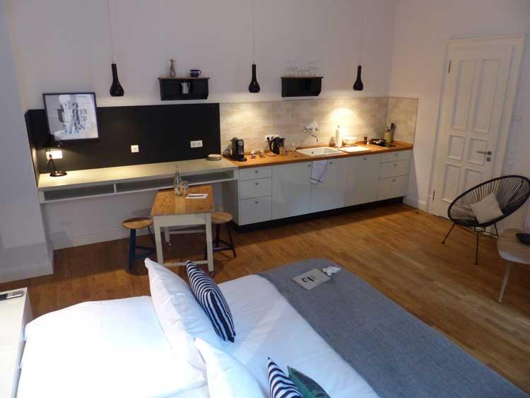 Gorki-Apartments-Berlin.jpg-kitchen