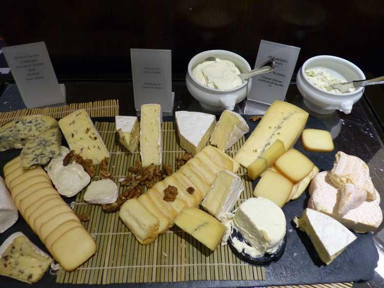 The-Westin-Grand-Berlin.-cheese-breakfast