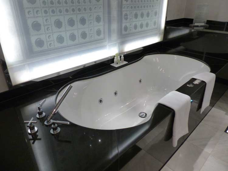 The-Westin-Grand-Berlin.jpg-grand-spa-suite-bathrrom