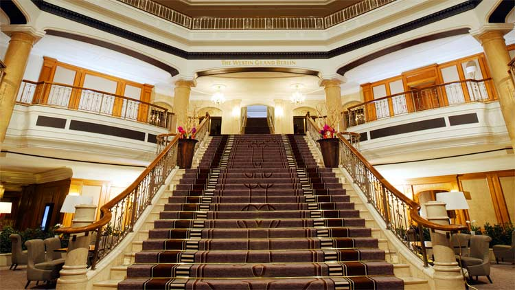 grand-berlin-staircase