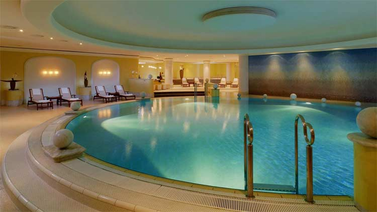 westin-grand-pool