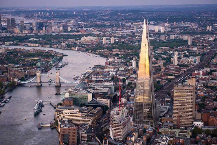 http://www.menstylefashion.com/wp-content/uploads/2015/12/Aerial-Views-Of-The-Shard.jpg