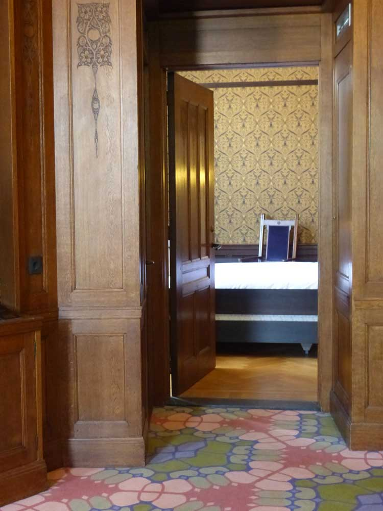 Grand hotel amrath amsterdam luxury historic shipping for Mens bedroom suites