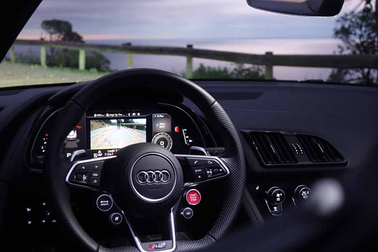 audi-r8-spyder-gracie-opulanza-review-7