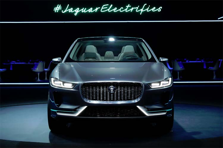 jaguar-electrifies-ipace-concept-car-3