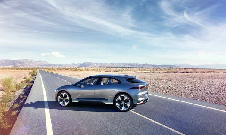 jaguar-ipace-concept-car-driving-4