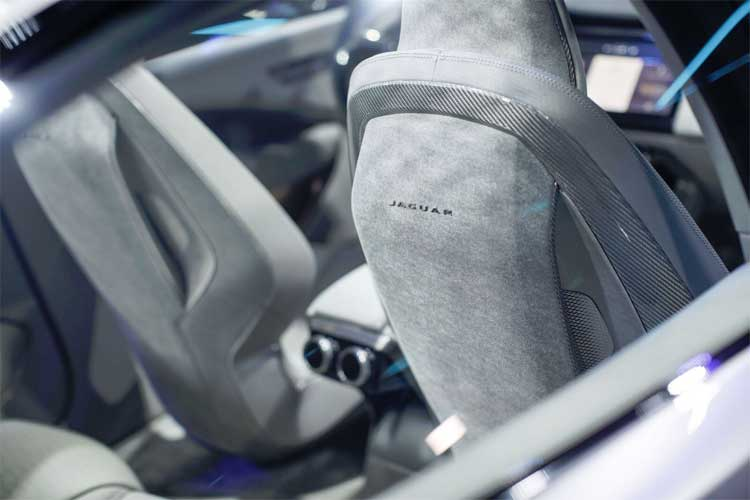 jaguar-ipace-interior-design-2