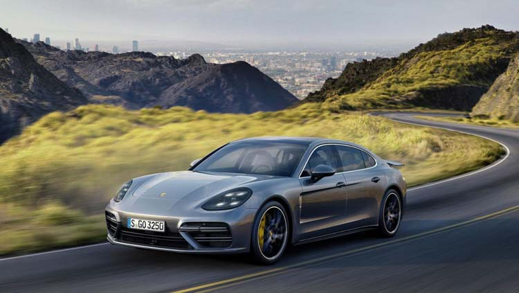 low_panamera_turbo_executive_2016_porsche_ag