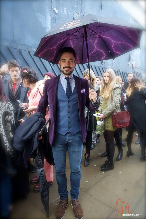 carl-thompson-pincollar-shirts-menstylefashion-umbrella-2