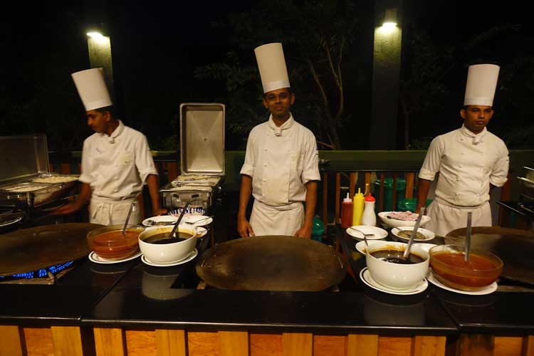 heritance Kandalama hotel review Sri Lanka - restaurant food