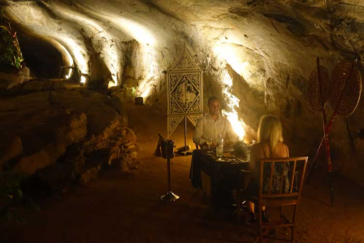 heritance Kandalama hotel review Sri Lanka - cave dining experience