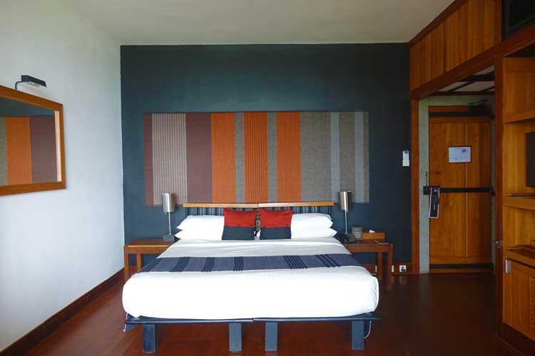heritance Kandalama hotel review Sri Lanka - hotel room