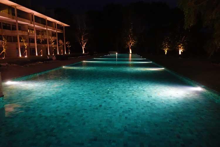 Jetwing Lake Hotel Dambula Sri Lanka Review - swimming pool
