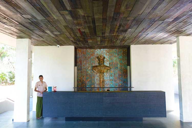 Jetwing Lake Hotel Dambula Sri Lanka Review - Reception
