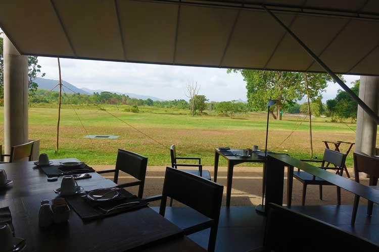 Jetwing Lake Hotel Dambula Sri Lanka Review - restaurant