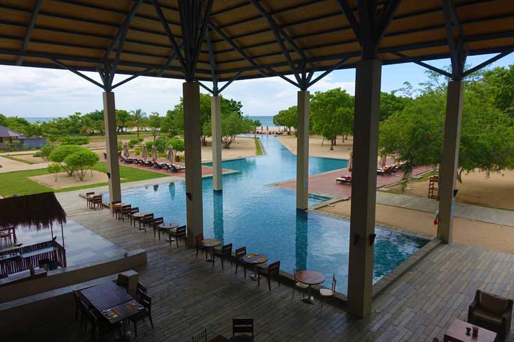 Sunrise By Jetwing Sri Lanka Hotel Review - The Pool Area