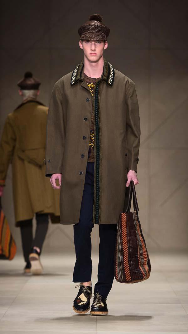 Burberry men large vibrant woven tote bag