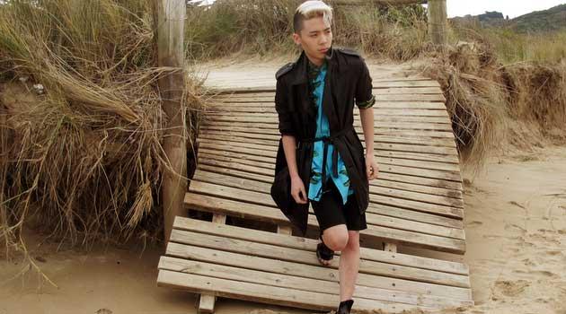 martan-main,black-sandals-2012-on-an-ozzie-beach