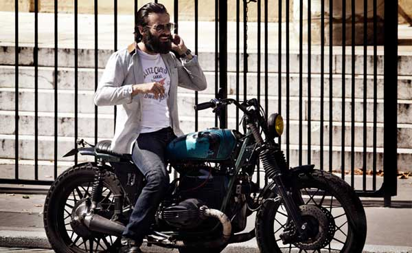 Blitz Motorbike - Riding a vintage motorbike