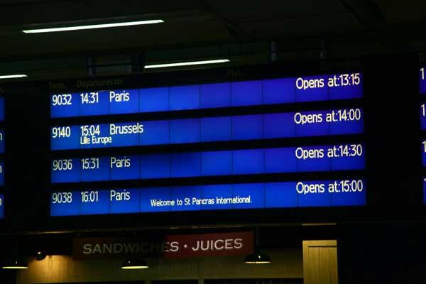 St Pancras London- French Traveller