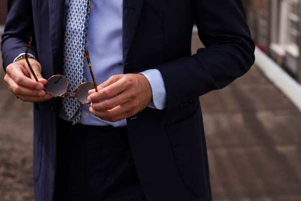 What To Wear On Your First Date Blue Suit