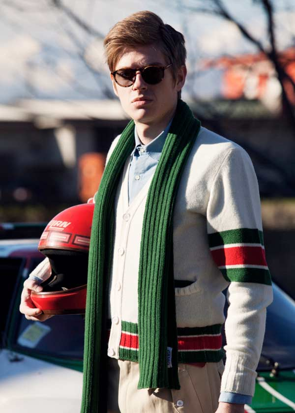 What To Wear On Your First Date green scarf