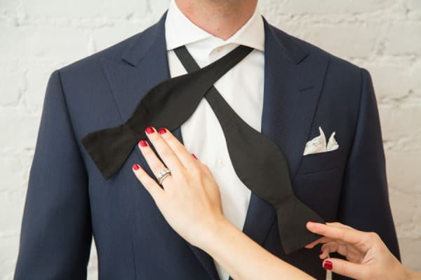 How To Tie A Bow Tie - Step By Step Video