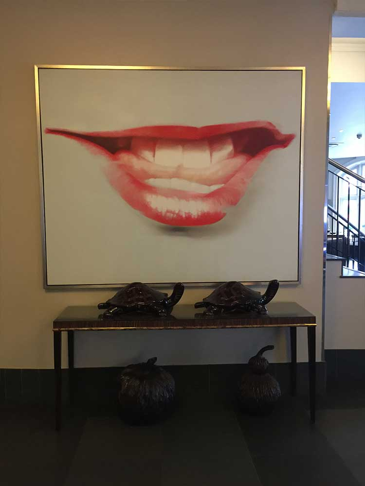 Radisson-Lobby-Art