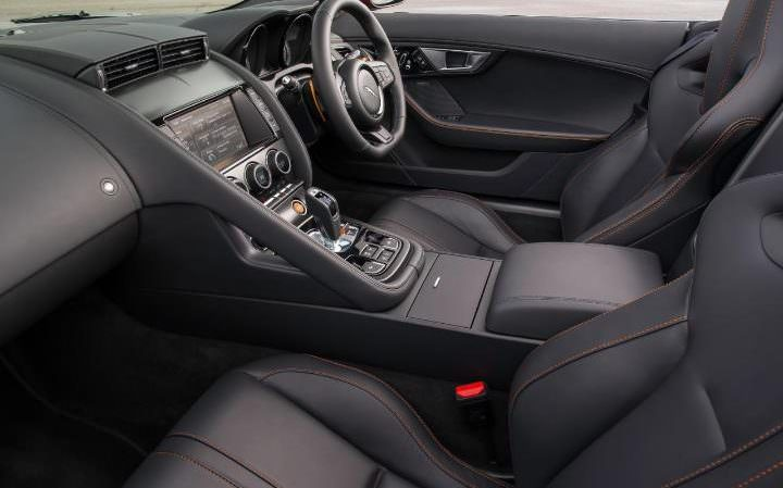 Jaguar F-Type Convertible interior