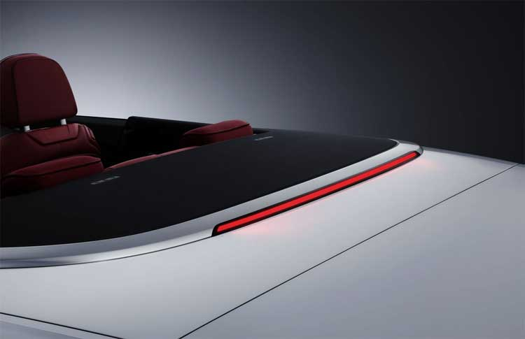 audi-a5-cabriolet-break-light