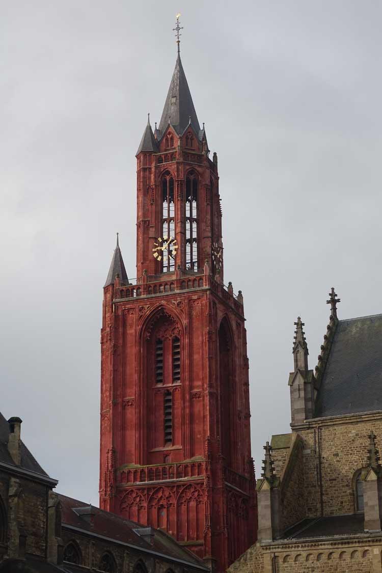 vrijthof-square-maastricht-menstylefashion-jpg-cathedral