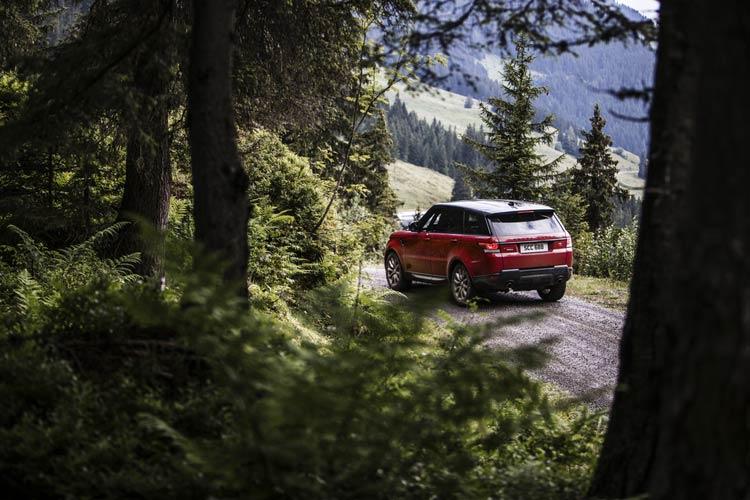 range-rover-sport-downhill-alpine-ski-challenge-7