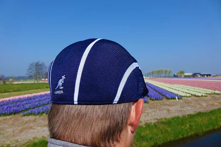 2af097d5cbbb0a The clean 2 colour stripes are placed vertically on the cap. It's seamless,  knitted and blocked construction allow the stripes to follow the curve of  the ...