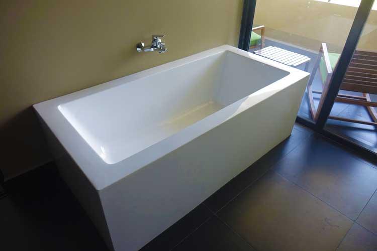 Jetwing Lake Hotel Dambula Sri Lanka Review - bathroom