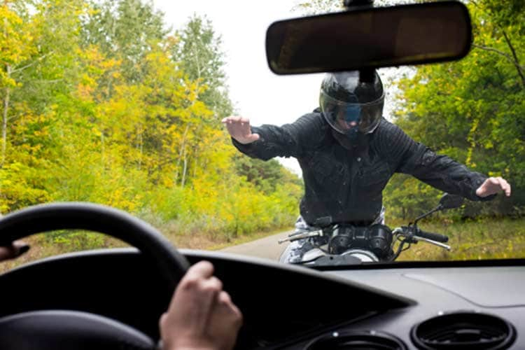 How to Stay Alive In Your Motorcycle Crash