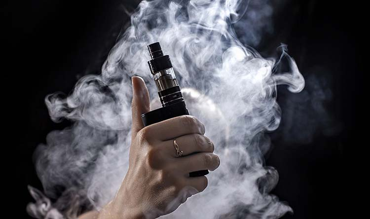 Why More Men Are Switching From Smoking To Vaper