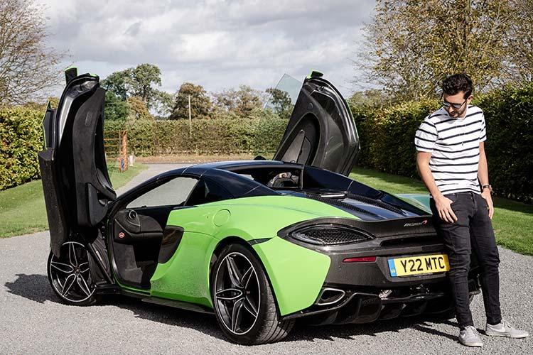 Thomas Koflach McLaren 570 Spyder Mantis Green Supercar Butterfly doors