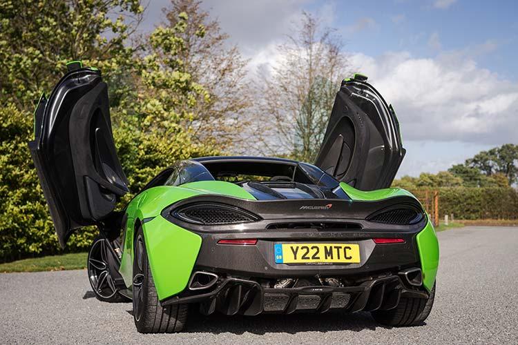 McLaren 570 Spyder Mantis Green Supercar Butterfly doors